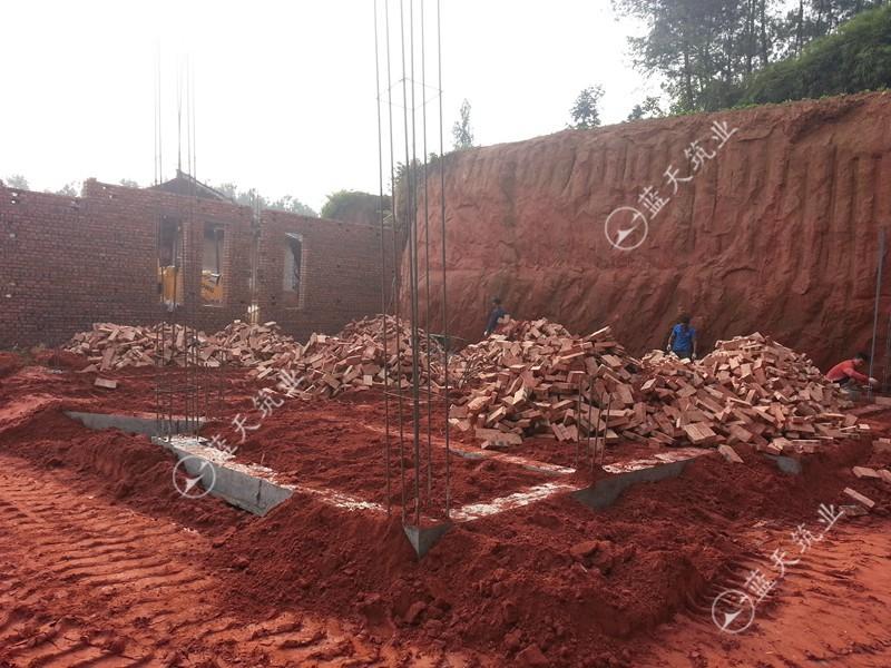 宜宾自建别墅地梁浇筑施工图