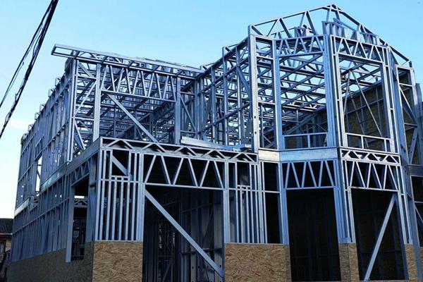 传统建筑结构与轻钢结构哪种好?